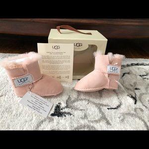 Authentic infant Uggs baby booties SZ 2/3